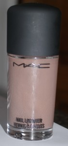 mac-riveting-collection-wham-bam-glam-swatch-141x300