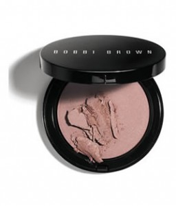 Bobbi Brown Illuminating Bronzing Powder in Bali Brown
