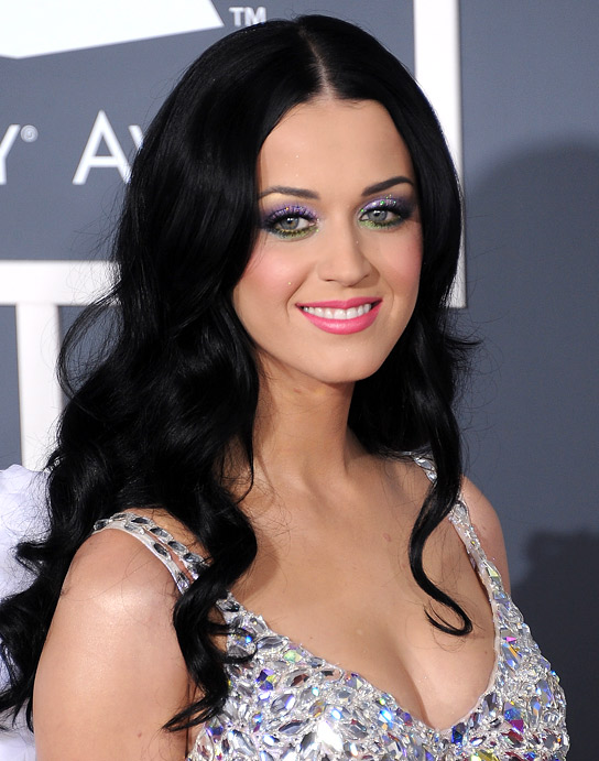 Katy Perry's Makeup Artist Reveals Makeup Bag Essentials!